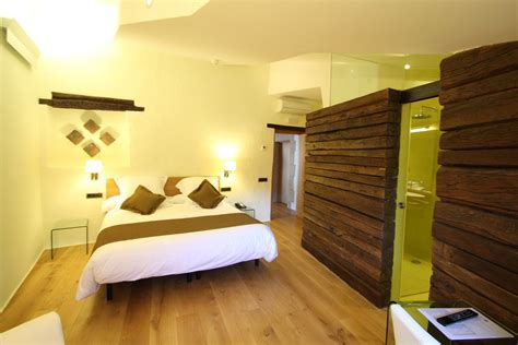 les chambres de l h e antique chambre d 39 hôtel romantique la moixera hôtel can cuch