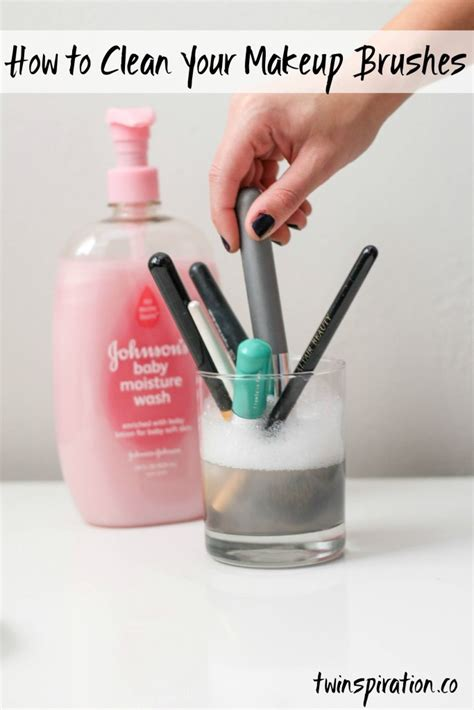 how to disinfect a how to clean your makeup brushes twinspiration