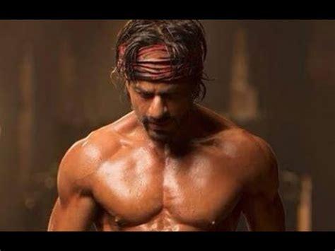 happy  year shahrukh khans hot  pack abs bollywood