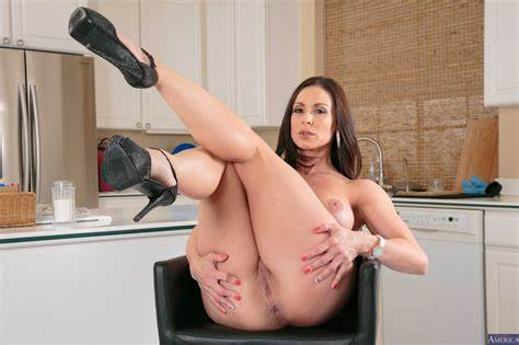 Lust In Kitchen With My Dogs Adorable Bride Kendra Passion In Glamour Tall Boots Exposes The