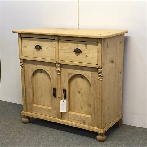 attractive antique pine sideboard 655248