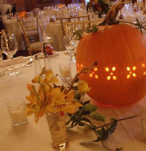pumpkin center pieces using pumpkins for fall centerpieces