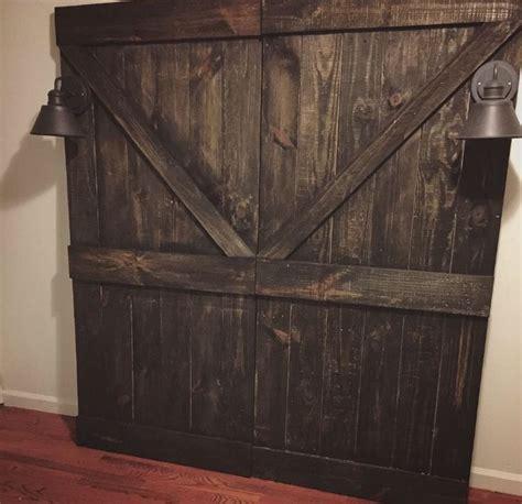 Barn Door Headboard Plans by 1000 Ideas About Barn Door Headboards On Pinterest Door