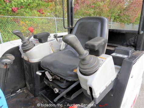bobcat  mini excavator rubber hydraulic thumb  backfill dozer blade kubota ebay