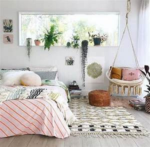 Small, Bedroom, Decorating, Ideas, With, Faux, Fur, Pillows