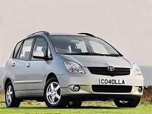 Toyota Verso Dimensions : toyota corolla verso specs 2002 2003 2004 autoevolution ~ Medecine-chirurgie-esthetiques.com Avis de Voitures