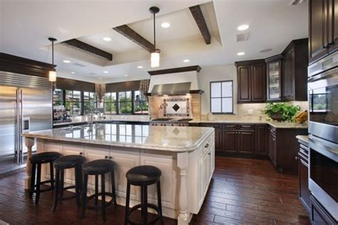 kitchen cabinets with different color island why different color for island cabinetry