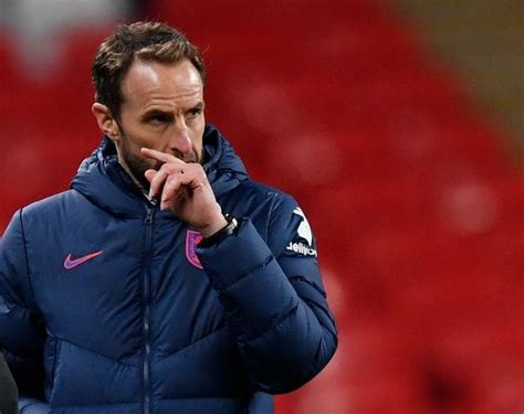 Neville identifies main downside with Southgate's ways ...