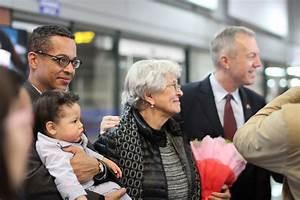 New US ambassador to Vietnam Ted Osius arrives in Hanoi ...