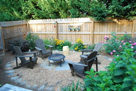 Simple Backyard Patio by Simple Setup For Pit In Backyard Garden Gravel