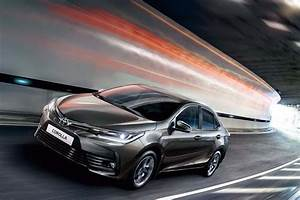 Toyota Corolla Altis 2017 Price in India, Specifications ...