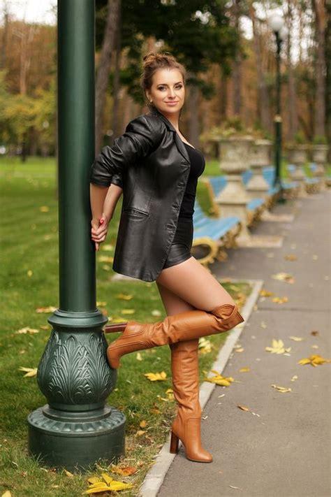 Photo Gallery Russian Women Personals Lederen Laarzen
