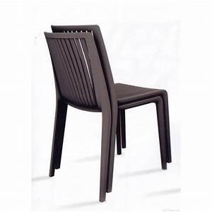Chaise Jardin Plastique : chaise design plastique cool et chaises plastique design papatya chaises plastiques papatya ~ Teatrodelosmanantiales.com Idées de Décoration