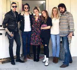 Tish and Brandi Cyrus will compete in new reality show ...