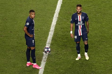 Défaite du Paris Saint-Germain face au Bayern Munich en ...