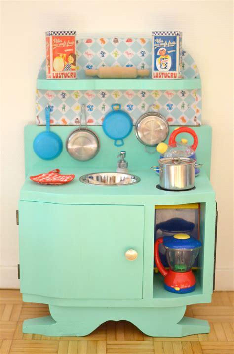fabriquer cuisine en bois jouet diy une cuisine enfant en bois à fabriquer à partir de