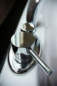 Pool Reinigen Hausmittel : free silver basin stock photo ~ Markanthonyermac.com Haus und Dekorationen