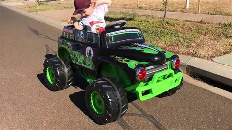 monster trucks youtube grave digger grave digger ride on monster truck youtube