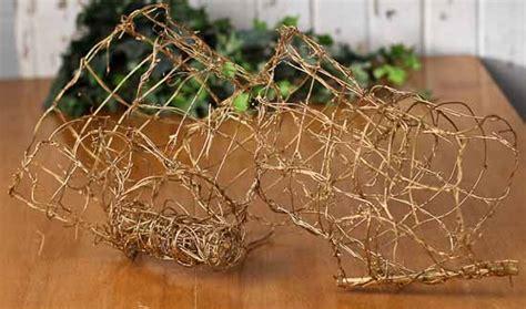 "7"" Metallic Gold Wire Grapevine Garland Ribbon   9 feet"