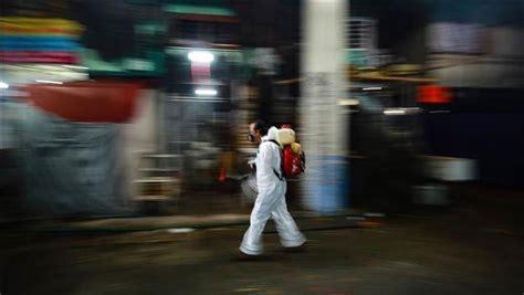 Theo báo cáo của bv bệnh nhiệt đới, bệnh nhân là nam giới, 22 tuổi, cư trú tại huyện cần đước, tỉnh long an. Tin Covid-19 ngày 27/7: Thế giới quá 650.000 người chết, Mỹ vẫn ở tâm xoáy Covid-19 - VietNamNet