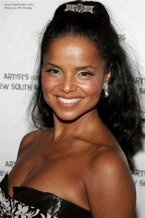 victoria rowell cascade curls  hair styled