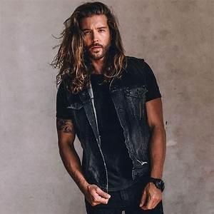 Se Laisser Pousser Les Cheveux : 1001 id es cheveux longs homme quand la taille compte ~ Melissatoandfro.com Idées de Décoration