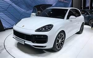 Nouveau Porsche Cayenne 2018 : 550 chevaux voici le nouveau porsche cayenne turbo 2019 4 12 ~ Medecine-chirurgie-esthetiques.com Avis de Voitures