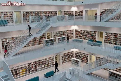 Stuttgart Design Möbel by La Moderna Biblioteca Civica Di Stoccarda Baden