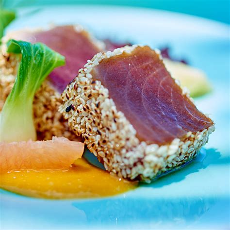 cuisiner le soja frais tataki de thon une recette poisson cuisine le figaro