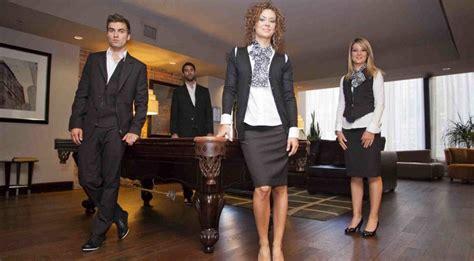 femme de chambre hotel de luxe tenue de femme de chambre dress code et valet de chambre