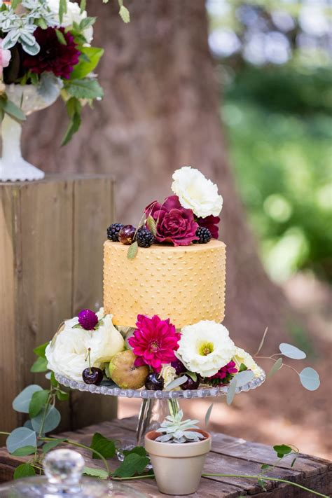 nature inspired fall wedding ideas   detail