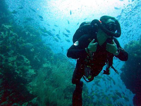 scuba diving diver equipment gear pictures photos underwater