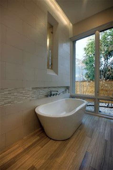 build  niche   deck mounted faucet