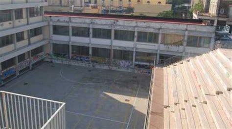 Prove D Ingresso Liceo Classico - catene ai cancelli della scuola per bloccare le prove