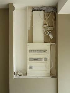 Comment Cacher Un Compteur électrique Dans Une Entrée : vos conseils porte pour cacher le tableau lectrique 8 messages ~ Melissatoandfro.com Idées de Décoration