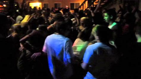 ucsb isla vista huge house party youtube