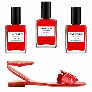 match nail with sandals best summer sandals and