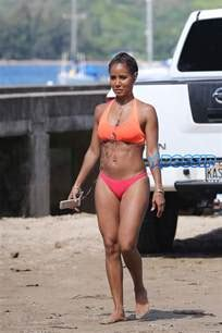 Jada Pinkett Smith Reveals Amazing Bikini Body On Hawaiian Vacation Bossip