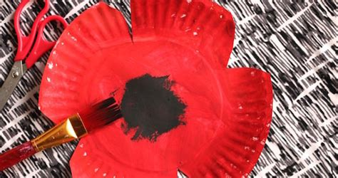 paper plate poppy craft  preschool happy hooligans
