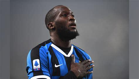 Dakikada dries mertens'in ceza sahasına gönderdiği pasta rusya savunmasından seken topu kontrol eden lukaku, kaleci anton shunin'i net bir vuruşla mağlup etti. Pallone Ufficiale Inter, 2019/20 - Autografato da Romelu ...