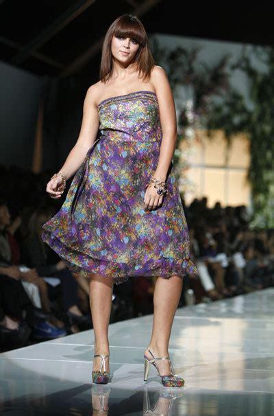 milans big beginning  size show opens fashion week