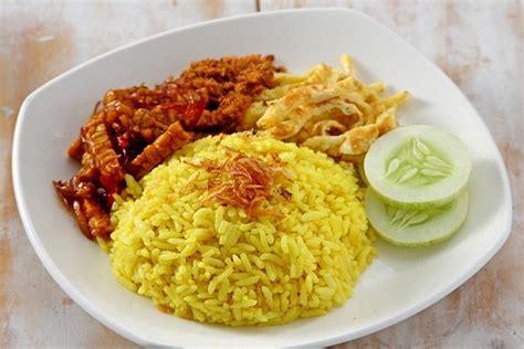 Nasi uduk hampir mirip dengan. 3 Resep Nasi Kuning Yang Mudah, Enak, dan Praktis