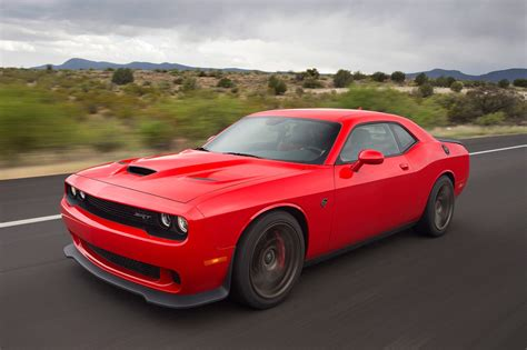 hellcat challenger 2017 dodge challenger reviews and rating motor trend