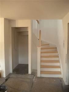 Raum Unter Treppe Nutzen : montagebau karstens g nstige holztreppe l beck wand t r unter der treppe ~ Buech-reservation.com Haus und Dekorationen