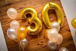 30 Geburtstag Party Ideen : geschenke zum 30 geburtstag besondere ideen finden ~ Whattoseeinmadrid.com Haus und Dekorationen