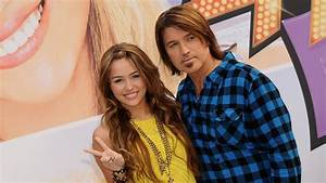 Some Of The Cast Of 'Hannah Montana' Reunited, And Now All ...