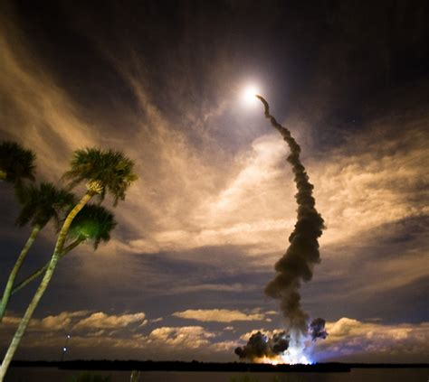 awesome rocket launch pictures  steve jurvetson