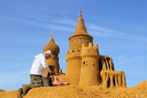 festival de sculptures sur sable  cest la fete
