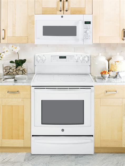 pvmdfww ge profile series  cu ft convection   range microwave oven white