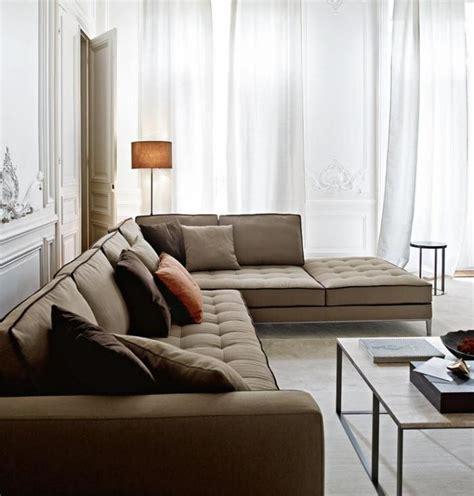 canap gros coussins le canapé beige meuble classique pour le salon archzine fr